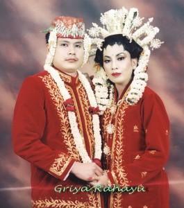 957236 gr2 265x300 Pakaian Tradisional Nusantara I (Jawa & Bali)