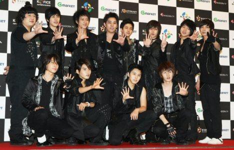 Hangeng SM Entertainment memberikan pernyataan resmi mengenai Hangeng yang menarik tuntutan hukumnya